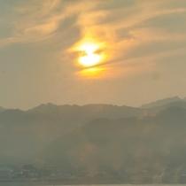 ◇晴れた朝は関東屈指の日の出も(朝)