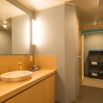 ◆明るく広々とした洗面所(特別室)