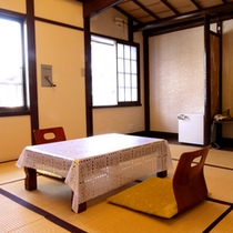【8畳のお部屋一例】昔ながらの雰囲気を残した落ち着くお部屋です