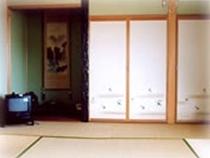 どの部屋からも若狭湾が一望できる和室2