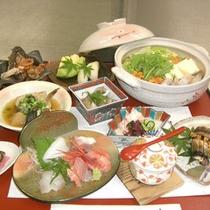 *【夕食一例】四方漁港から直送される新鮮な魚介類が中心のお料理です