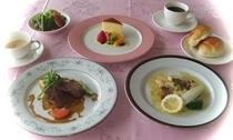 牛フィレ肉の胡椒風味と鯛のポワレ(正月バージョン)