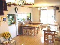 喫茶兼食堂