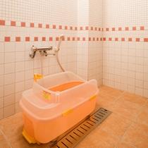 【ワンちゃん洋室】【ペット洋室】ワンちゃん専用のシャワールームがあります。
