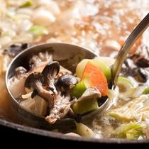 【夕食バイキング・大滝惣菜汁】地元・大滝村の山の幸がいっぱいです