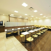 ◆朝食コーナー◆明るい朝食コーナーで一日のスタートを爽やかに♪