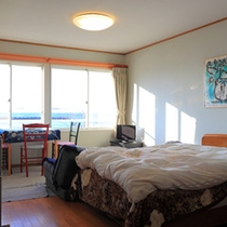 *【部屋】洋室*04/05/外の景色を眺めながらゆったりと過ごせます。