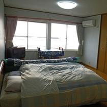 *【部屋】ダブル*04/05/ダブルベッド、エキストラベッドが付いています。