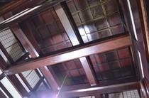 総輪島塗の大きな梁