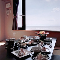 *【食事処】海が見える食事処で夕食をご用意致します。
