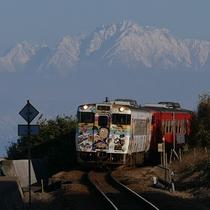 【ハットリくん列車】氷見駅から発車しています♪