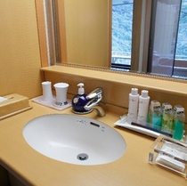 露天風呂付き客室ベッドタイプの洗面