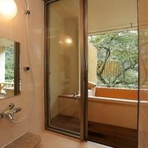 露天風呂付き客室ベッドタイプのシャワールーム