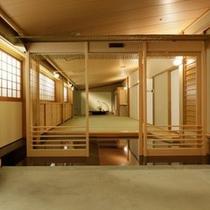 料亭個室「翁」の入口