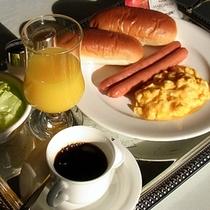 【ご朝食はお部屋へお持ちいたします】気兼ねなく・ゆっくりと♪ そんな思いが詰まったご朝食です。