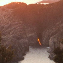 トオルマの夕日 年に2回、春分・秋分の日に見られる大自然の奇跡