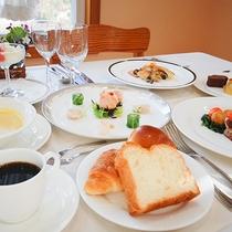 *[夕食一例]料理歴30年超・ホテルでシェフ経験を積んだオーナーが作る人気ディナー!