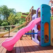 *[屋外キッズパーク]安全&清潔に配慮して造られた全面ウッドのキッズ公園は遊具がいっぱい!
