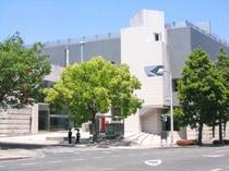 岡山県立美術館