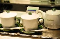 スーペリアタイプは上品な茶器セットをご用意しております