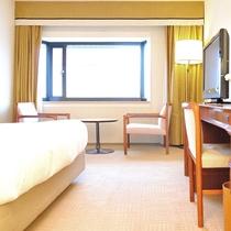スタンダードダブル(8階)広さ:26平米 ベッド幅:200cm×160cm