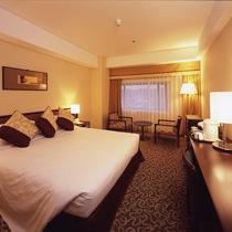 スーペリアダブル(9~12階)広さ:26平米 ベッド幅:200cm×160cm