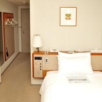 スタンダードシングル(5~8階)広さ:16平米 ベッド幅:200cm×110cm