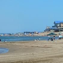 石地海水浴場 遠浅のファミリー向け海水浴場。好天日は佐渡島が望めます。(車で約45分)