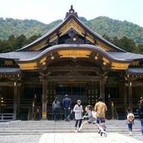 弥彦神社 「おやひこさま」の敬称で県内外から篤い信仰を寄せられています。(車で40分)