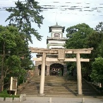 尾山神社遠景☆ステンドグラスがキラキラします☆