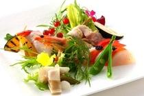 イタリア料理にフランス料理のテイストが加わった【イタリエンヌ】「本日の前菜」