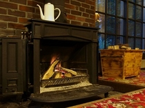夕暮れとともに暖炉に火が入ります。