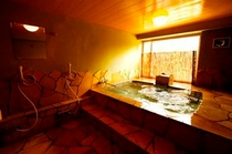 貸切用の石風呂「姫城」
