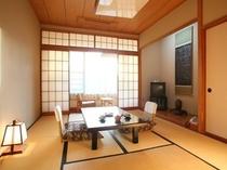 和室10畳、トイレ、TV、冷蔵庫、冷暖房付きのお部屋。