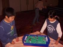サッカー盤ゲーム。ロビーにあるので御自由に、、、。