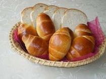 朝食の天然酵母パン