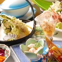 四季折々の旬菜が目と舌とを存分に愉しませてくれます。