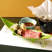 自然豊かな土地で育った信州牛をすき焼きに・・・ポン酢しょうゆでお召し上がり下さい。