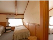 212号室4ベッドバス・トイレ付