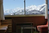 北アルプス連峰の眺め 百名山3座(白馬岳、五竜岳、鹿島槍ヶ岳)が見え登山家に人気!