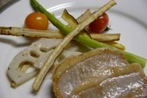 イベリコ豚の塩漬け 焼き野菜添え