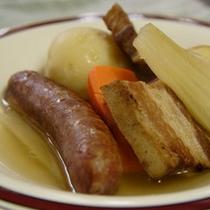 肉料理の一例 自家製ベーコンのポトフ