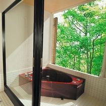 【夏の花見館】 10畳和室付半露天ジャグジーバス