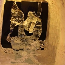 全国のシェフや職人さんが競う氷彫刻大会(1月)