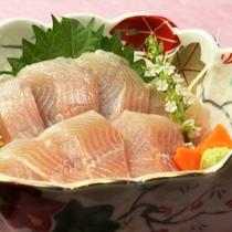 ☆夕食のお刺身です