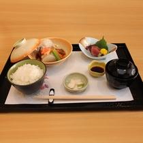 【夕食】選べる夕食お膳 芋豚の角煮