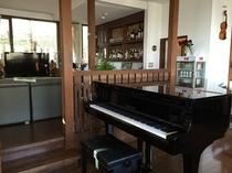 ラウンジ ピアノ