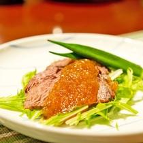 *【夕食一例】和洋折衷のコース料理をお楽しみ下さい。