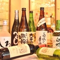 日本酒や焼酎、洋酒も豊富