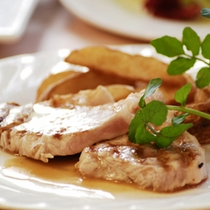 【ディナーメニュー】八幡平ポーク・ロース肉のグリエ